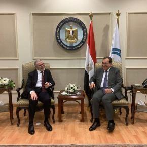 Η Αίγυπτος ξεκινά εξόρυξη πετρελαίου στη Λιβύη – Πάνοπλο σώμα στρατού καλύπτει την επιχείρηση – Ανοικτή πρόταση Σίσι σεΑθήνα