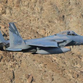 Οι ΗΠΑ στέλνουν F-15 & Apache στη Συρία – Το Ιράν προμηθεύει με νέο στρατιωτικό υλικό τονΆσαντ