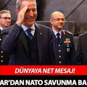 Πρόκληση Ακάρ στη σύνοδο του ΝΑΤΟ: Χαιρέτισε στρατιωτικά τους ομολόγουςτου