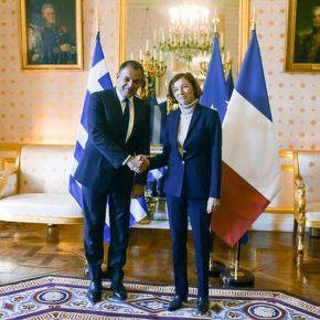 Ενισχύεται το Πολεμικό Ναυτικό: Υπέγραψε την αγορά γαλλικών φρεγατών ο ΝίκοςΠαναγιωτόπουλος