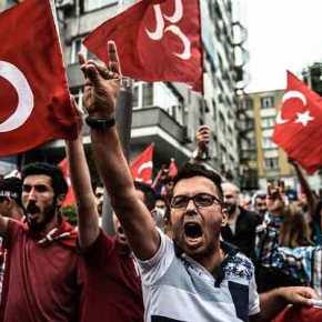 Φανατίζει παιδιά ο Ερντογάν: «Κάθε Τούρκος γεννιέται στρατιώτης» τραγουδούν οιμαθητές