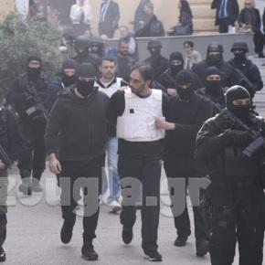 Προφυλακιστέοι οι συλληφθέντες για την «Επαναστατική Αυτοάμυνα» – Επεισόδια σταδικαστήρια