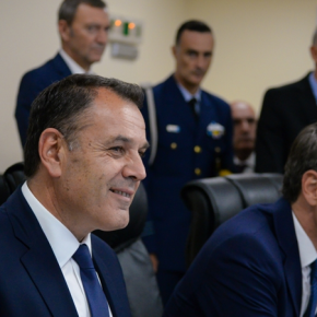 Δημοσκόπηση: Σαρώνουν Χρυσοχοΐδης, Παναγιωτόπουλος, Άδωνις!video
