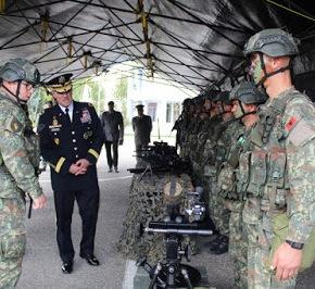 Επίσκεψη Διοικητή του ΝΑΤΟ στις αλβανικές ένοπλεςδυνάμεις