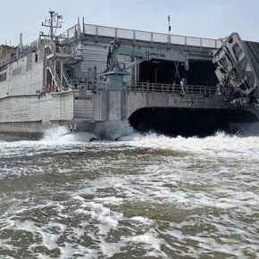 Οι ΗΠΑ «μετακομίζουν» Αλεξανδρούπολη: To USNS Carson City έριξε άγκυρα στολιμάνι