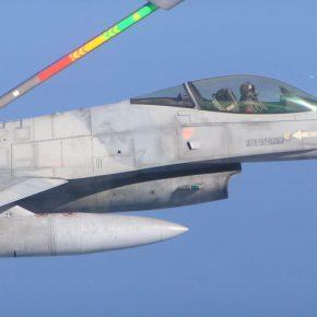 Υλοποίηση στην πράξη της αμυντικής συμφωνίας ΗΠΑ-Ελλάδας: Ανεφοδιασμός ελληνικών F-16 από αμερικανικάKC-10