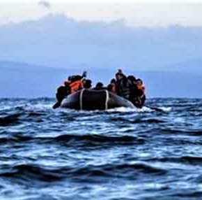 Κατάρρευση: Παράνομοι μετανάστες έπλευσαν επί 450 χλμ. χωρίς να εντοπιστούν και αποβιβάστηκαν ανενόχλητοι στην…Κρήτη!