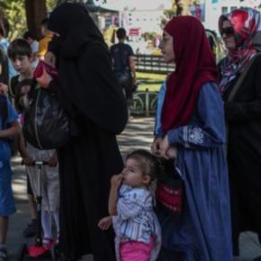 Συστηματικές μετακινήσεις μεταναστών στην Κύπρο από Τουρκία – Σε κατάσταση συναγερμού ηΛευκωσία!