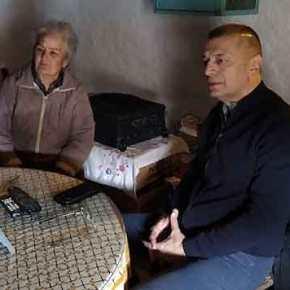 Στην Κίναρο ο Αλκιβιάδης Στεφανής -Επισκέφτηκε την κυρά Ρηνιώ, τη μοναδική κάτοικο τουνησιού