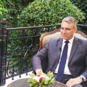 Προκαλεί ο Τούρκος πρέσβης: Πρέπει να μας αντιμετωπίζετε ως γείτονες, όχι ωςαντιπάλους