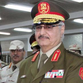 Λιβύη: Να κινηθούν προς την Τρίπολη ζητά από τις δυνάμεις του ο στρατάρχηςΧαφτάρ