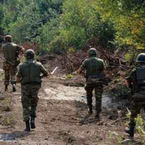 Στέλνονται ενισχύσεις στον Έβρο: Επιπλέον στρατιώτες για να ανακοπεί το ρεύμα των μεταναστών που εισέρχεται στηχώρα