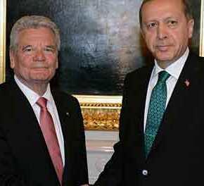 Πρόεδρος Γερμανίας: «Πρέπει να βοηθήσουμε την Τουρκία – Είμαστε σε δύσκολη θέση και τηνχρειαζόμαστε»!