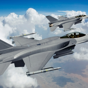 Την «πόρτα» της ΕΑΒ πέρασε το αρχικό F-16 που θα εκσυγχρονιστεί σε επίπεδοViper