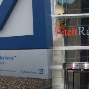 Ο οίκος Fitch αναβάθμισε την Ελλάδα από ΒΒ- σεBB