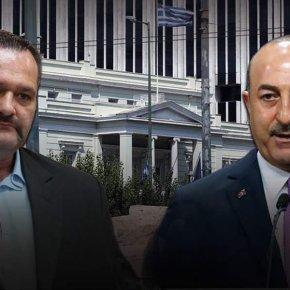 Η κυβέρνηση καταδίκασε το σχίσιμο της τουρκικής σημαίας αλλά όχι τις δηλώσειςΤσαβούσογλου