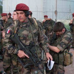 Γάλλοι κομάντος για πρώτη φορά στην Ελλάδα – Μήνυμα στήριξης από Μακρόν με την αποστολή πεζοναυτών αλλά και του ελικοπτεροφόρου «DIXMUDE»Ανανέωση.