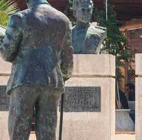 ΜΠΡΑΒΟ στα ΕΛΛΗΝΟΠΟΥΛΑ…!!! Μαθητές καθάρισαν το μνημείο πεσόντων στα Ίμια…!!! Βλαχάκος – Γιαλοψός – Καραθανάσης… ΑΘΑΝΑΤΟΙ…!! ΒΙΝΤΕΟ