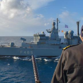 Bild: »Η Ελλάδα βγάζει πολεμικά πλοία στο Αιγαίο για να προστατεύσει τα σύνορά της» – Μητσοτάκης: «Καμία ανοχή σε παράνομηείσοδο»