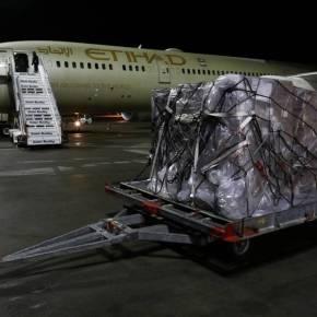 Κορονοϊός: Έφτασαν στο Ελευθέριος Βενιζέλος 11 τόνοι υγειονομικού υλικού από ταΗΑΕ