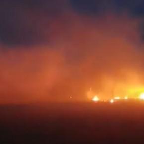 Νέα επεισόδια στον Έβρο: Άναψαν φωτιές και προσπαθούν να ρίξουν το φράχτη (vid).