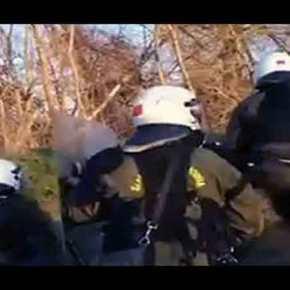 Έλληνες Αστυνομικοί δέχονται πραγματικά πυρά από την Τουρκική πλευρά(video)