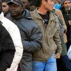 121 ΜΚΟ απαιτούν να δώσουμε άσυλο στους παράνομους μετανάστες και να τους αφήσουμε ελεύθερους λόγω…πανδημίας