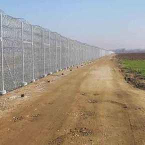 Επεκτείνεται ο φράχτης στον Έβρο, αρκεί να μην μείνουμε σταλόγια