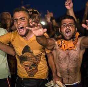ΓΕΕΘΑ: «Παράνομοι μετανάστες» & «ασύμμετρη επίθεση» στον Εβρο έγιναν ξανά «μεταναστευτικές-προσφυγικές συγκεντρώσεις»