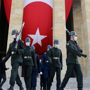 Τουρκία: 2.706 οι θάνατοι από τον κορωνοϊό – Πάνω από 107.000 τακρούσματα