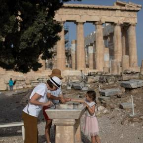 Κορονοϊός: «Ύμνοι» του ABC News για την Ελλάδα: «Ο απρόσμενος ήρωας στη μάχη κατά τηςπανδημίας»