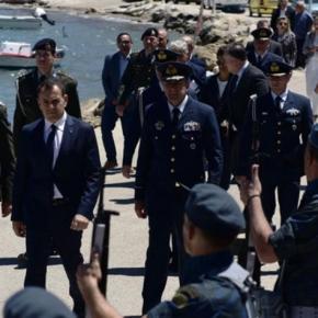 Παναγιωτόπουλος: Οι Ένοπλες Δυνάμεις είναι πανταχού παρούσες.Μήνυμα προς κάθε κατεύθυνση έστειλε ο Υπουργός Άμυνας από την Κάρπαθο  με αφορμή τις εκδηλώσεις μνήμης για τον σμηναγό ΚωνσταντίνοΗλιάκη.
