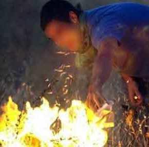 Παράνομοι μετανάστες απειλούν να κάψουν την Μαλακάσα – Ανάβουν καθημερινά φωτιές μέσα στο δάσος(βίντεο)