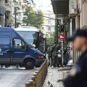 Εξάρχεια: Αστυνομική επιχείρηση σε υπό κατάληψηκτίριο