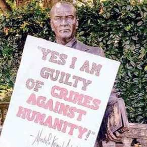 Πανό στο άγαλμα του Ατατούρκ στην Ουάσιγκτον γράφει: «Ναι, είμαι ένοχος για εγκλήματα κατά τηςανθρωπότητας»