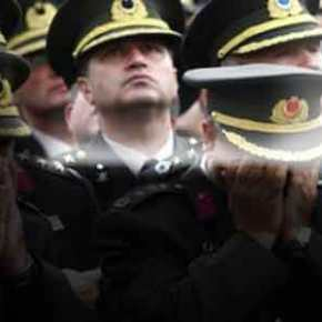 Τουρκία: Χειροπέδες σε 191 μέλη των ενόπλωνδυνάμεων!