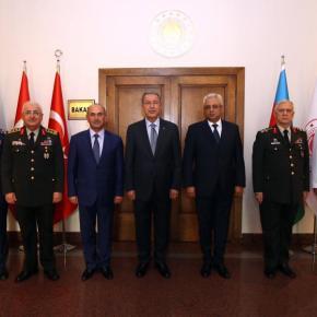 Κάτι ετοιμάζουν οι Τούρκοι στον Καύκασο: Εκτάκτως στο τουρκικό ΥΠΑΜ κλιμάκιοΑζέρων