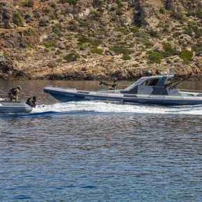 «Βάτραχοι» και «Seals» μαζί στο Αιγαίο: Με τα νέα σκάφη «φαντάσματα» ειδικών επιχειρήσεων τωνΗΠΑ