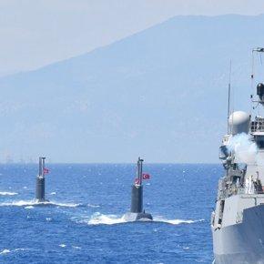 Διαψεύδεται η αποχώρηση του τουρκικού Στόλου: «Οι Τούρκοι παραμένουν νότια τουΚαστελόριζου»