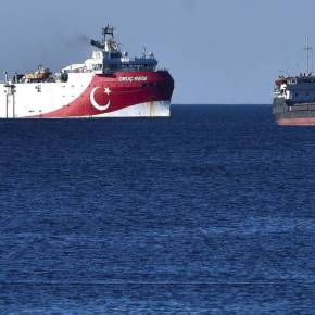 Oruc Reis: Ξανά εντός της ελληνικής υφαλοκρηπίδας – «Ντροπή του στόλου» το KemalReis