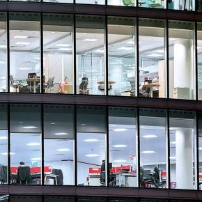 Η επιχείρηση καταβάλλει 3.729 ευρώ, αλλά ο εργαζόμενος παίρνει 1.923ευρώ