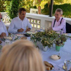"""""""Ευχαριστώ"""" του Πομπέο στα ελληνικά στον Κυριάκο Μητσοτάκη για τηφιλοξενία"""
