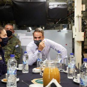 Ημέρα Ενόπλων Δυνάμεων: «Ευχαριστώ το προσωπικό για την αυταπάρνησή του» είπε οΠρωθυπουργός