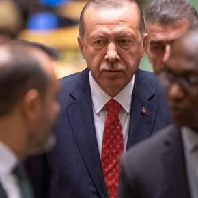 Έρντογάν: Το «χουνέρι» απ' την Ελλάδα – Το… φυσάει και δενκρυώνει
