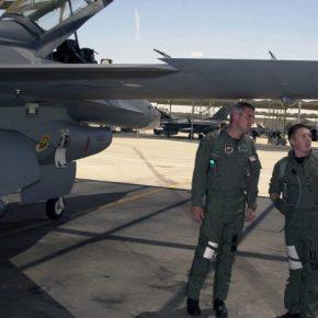 """Έφθασαν σήμερα οι Αμερικανοί πιλότοι που θα πετάξουν με το """"005"""" από τηνΕΑΒ"""