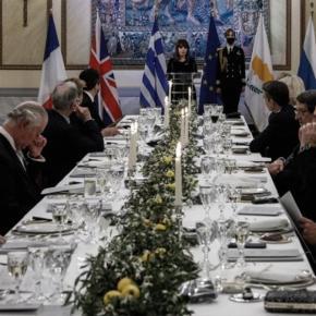 ΠτΔ: Καμία αναφορά στην Ορθοδοξία στην ομιλία της στο επίσημο δείπνο για τα 200χρόνια