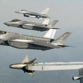 """Το F-35 Lightning II για την Αεροπορία και η Ελλάδα ως """"πρόθυμο θύμα"""" των διεθνών τηςπρομηθευτών"""