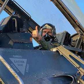 """""""Ζόρια"""" στην Τουρκία με την εικόνα του Τζ. Πάιατ στο πιλοτήριοF-16"""