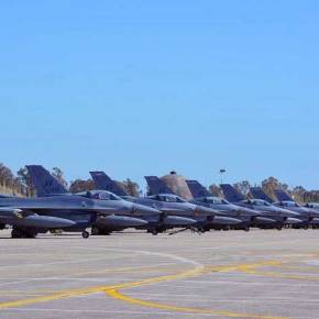 Η αεροπορική υπεροχή του «Ηνίοχου» που εκνευρίζει την Άγκυρα: Οι «hot» περιοχές του FIR που πετούν οισύμμαχοι
