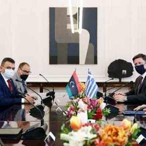 Άμεση επανεκκίνηση συνομιλιών για ΑΟΖ συμφώνησανΕλλάδα-Λιβύη